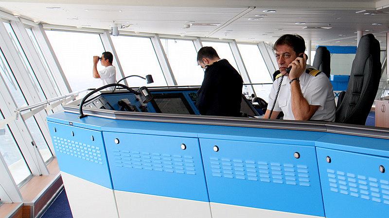 Best Crews Captains And Cruises - Cruise ship crew quarters