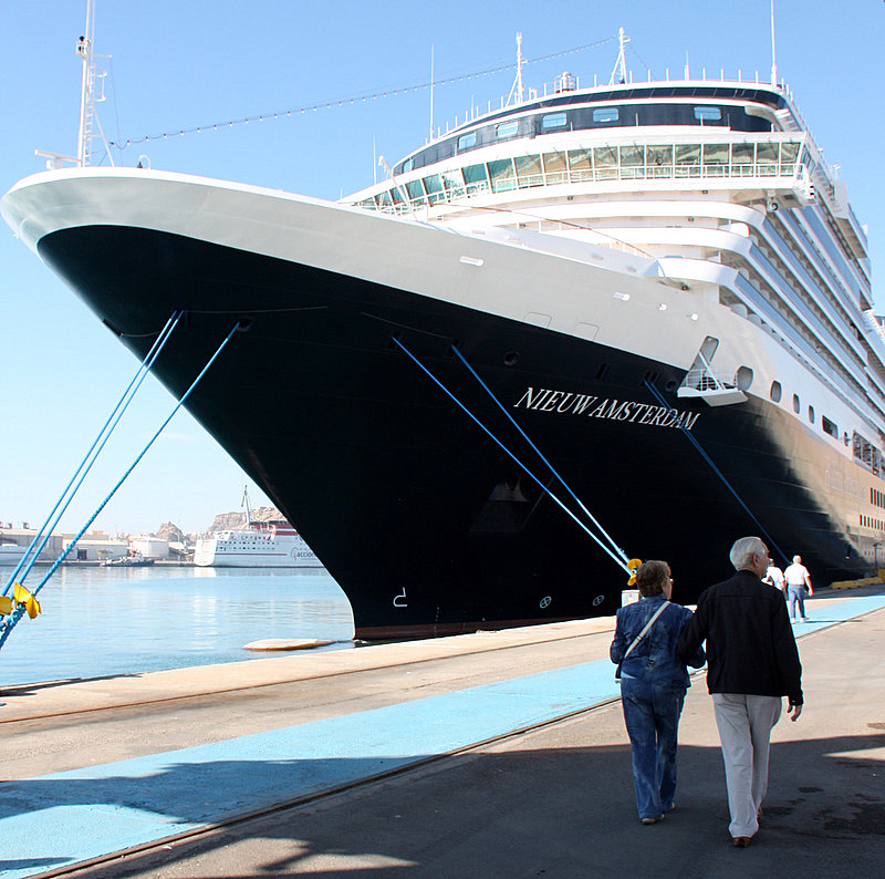 Vacationing Aboard Holland Americas Nieuw Amsterdam Luxury - Holland new amsterdam cruise ship