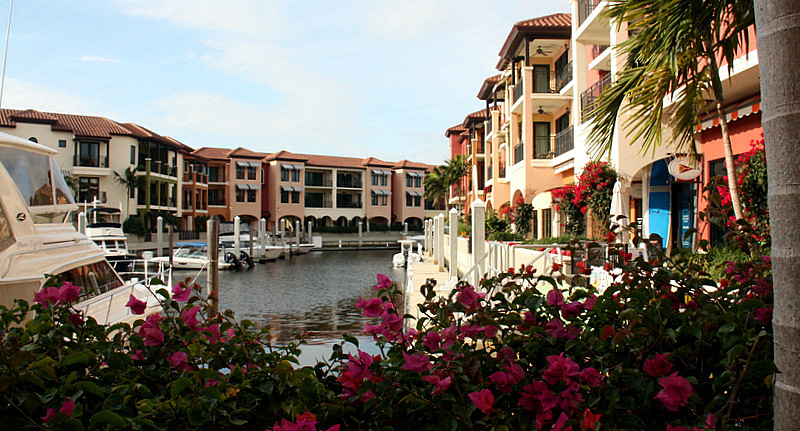 Vacation In Luxury At The Naples Bay Resort Luxury