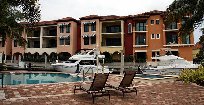 NBR Pool Boats Villas